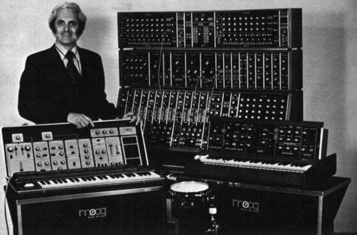 Robert Moog et son fameux synthé !