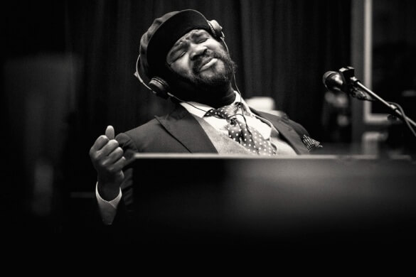 Gregory-Porter-1-mic-1-take-fessee-musicale-news-soul-