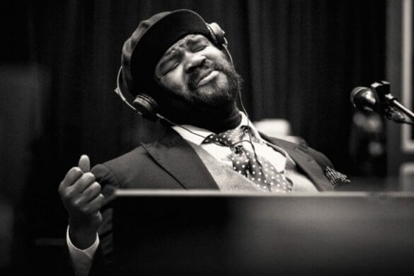 Gregory-Porter-1-mic-1-take-fessee-musicale-news-soul--1170x609